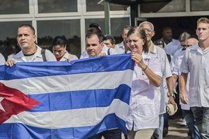 Venezuela sẽ tiếp nhận 2.000 bác sỹ Cuba vừa rút khỏi Brazil