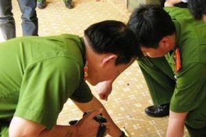 Bảo vệ UBND huyện tử vong trong nhà vệ sinh