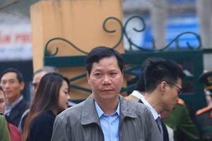 Nguyên Giám đốc BVĐK tỉnh Hòa Bình tự ái trước câu hỏi của luật sư