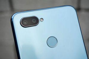 Smartphone chip S660, camera kép giảm giá hấp dẫn tại Việt Nam