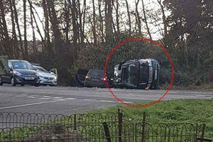 Chồng Nữ hoàng Anh gặp tai nạn nghiêm trọng