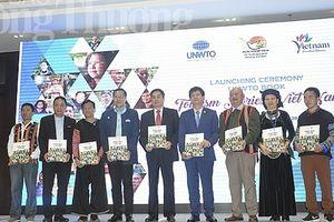 Công bố cuốn sách 'Câu chuyện du lịch Việt Nam'
