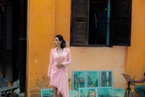 Ca sĩ Nguyễn Hồng Nhung diện Vest cách điệu hot trend năm 2019