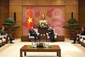 Chủ nhiệm Ủy ban văn hóa, Giáo dục, Thanh niên, Thiếu niên và Nhi đồng Phan Thanh bình tiếp Đại sứ Italia tại Việt Nam