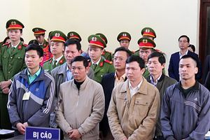 Xử sơ thẩm lần 2 vụ 9 người chạy thận tử vong: Vì sao chỉ bác sĩ Hoàng Công Lương ký y lệnh?