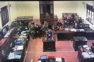 Xét xử vụ án chạy thận: Bác sĩ Hoàng Công Lương không có mặt ở nguyên đơn thận nhân tạo