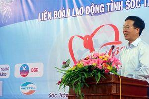 Đồng chí Võ Văn Thưởng dự 'Tết sum vầy' với công nhân Sóc Trăng