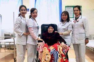 Kỳ tích: Bệnh viện huyện cứu sống cụ bà 103 tuổi bị gãy chân nguy kịch