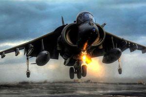Nhân viên bảo dưỡng Mỹ khiến cường kích Harrier hỏng nặng