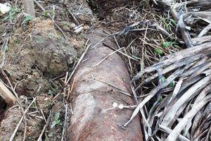 Phát hiện quả bom hơn 100kg dưới kênh mương