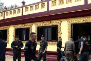 Sát thủ áo đen vác súng trường vào chùa Thái Lan, giết hai nhà sư