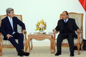 Thủ tướng Nguyễn Xuân Phúc tiếp các cựu quan chức Hoa Kỳ; Chủ tịch Liên đoàn Chế biến, chế tạo Xin-ga-po