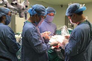 Phẫu thuật thành công u màng não khổng lồ cho người bệnh