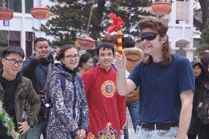 Sinh viên 25 quốc gia thích thú với trải nghiệm Tết Việt