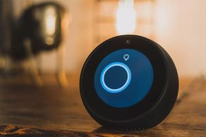 Microsoft chấp nhận Cortana thua Alexa và Google Assistant