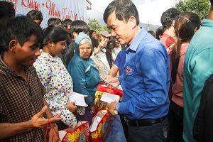 Mang Tết đến với người dân vùng cao Bình Định