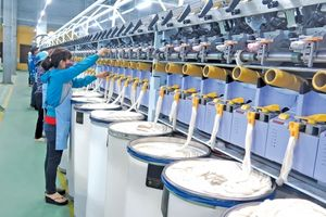 Sản xuất vải vẫn là 'điểm nghẽn' của ngành dệt may