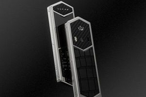 Caviar cho ra mắt 'thanh kiếm' Nokia 6500 đặc biệt với giá 2600 USD