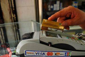 Lợi nhuận khủng nhờ giao dịch 'ma' để rút tiền mặt từ thẻ tín dụng