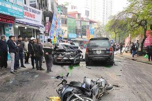 Xe điên mất lái gây tai nạn liên hoàn, 1 cụ bà tử vong