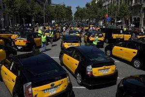 Tây Ban Nha: Lái xe taxi đình công phản đối dịch vụ kiểu Uber