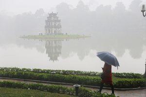 Hà Nội có sương mù và mưa nhỏ