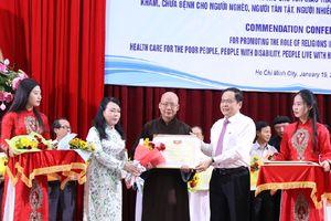 Phát huy vai trò các tôn giáo tham gia chăm sóc sức khỏe nhân dân