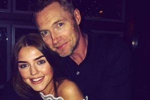 Ronan Keating 'già khụ' bên cô con gái 17 tuổi muốn nối nghiệp cha