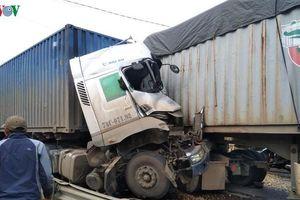 Hai xe container đối đầu, một tài xế tử vong
