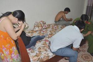 Truy tố nữ lễ tân nhà nghỉ môi giới mại dâm