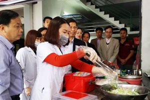 Hà Nội sẽ triển khai thêm 4-6 tuyến phố an toàn thực phẩm có kiểm soát