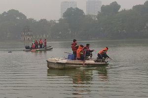 Nam thanh niên nhảy xuống hồ Hoàn Kiếm tử vong