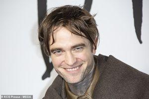 Robert Pattinson xuất hiện với gương mặt hốc hác, phờ phạc khó hiểu
