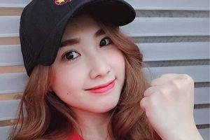 Bạn gái cầu thủ chúc mừng đội tuyển Việt Nam vào tứ kết Asian Cup