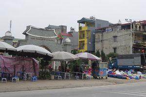Tại huyện Thường Tín: Chợ cóc 'quây' nghĩa trang liệt sĩ xã Văn Phú