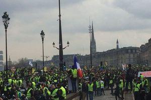 Biểu tình tiếp diễn tại Pháp