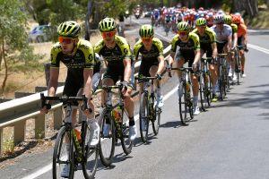 Tour xứ 'Miệt dưới': Porte thắng chặng đồi Willunga, Impey bảo vệ danh hiệu