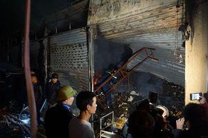 Cháy lớn tại chợ đầu mối lớn nhất Thanh Hóa, 10 ki ốt bị thiêu rụi