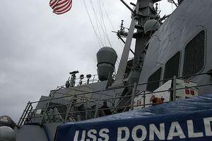 Hạm đội Nga đeo bám tàu chiến Mỹ ở Biển Đen