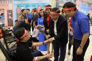 Hơn 1.000 người tham gia ngày hội Chủ nhật Đỏ tại Hà Tĩnh