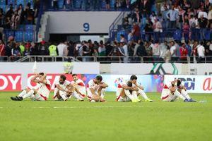 Cầu thủ Jordan sụp đổ, khóc nức nở vì thua tuyển Việt Nam