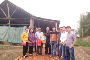 Thừa Thiên Huế: Chung tay giúp người nghèo xã Hương Vinh đón Tết