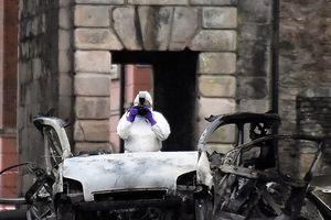 Anh: Bắc Ireland bắt giữ 2 nghi phạm trong vụ đánh bom xe