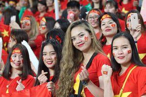 'Cầu thủ thứ 12' bất chấp khó khăn lên đường tham dự trận Việt Nam vs Jordan