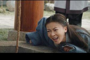 'Mẫu thân chết ngay trước mặt đến một giọt nước mắt cũng không có' - Ngô Cẩn Ngôn bị chê thậm tệ về diễn xuất trong 'Hạo Lan truyện'