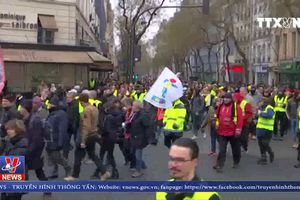 Biểu tình biến thành đụng độ tại Paris