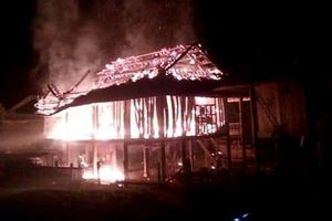 Nghệ An: Chồng đốt nhà vì mâu thuẫn với vợ