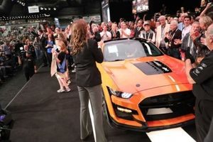 Ford Mustang Shelby GT500 2020 đầu tiên được bán có giá 25,5 tỷ VNĐ