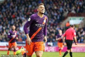 Man City dễ dàng thắng đội bét bảng Huddersfield