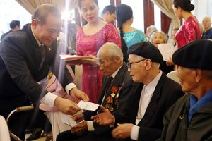 Lãnh đạo TP Đà Nẵng mừng thọ cho 1.209 hội viên CLB Thái Phiên